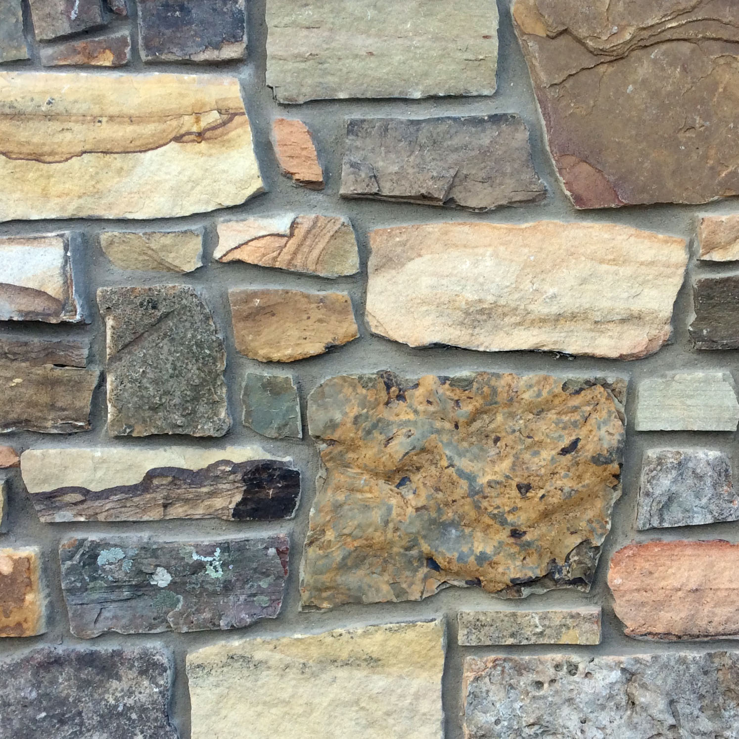 "Earthworks Fieldstone 1-1/2"" Webwall Veneer, Weathered"